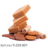 Купить «Вафли, вафельные трубочки и печенье», фото № 5039801, снято 20 февраля 2012 г. (c) Natalja Stotika / Фотобанк Лори