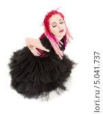 Купить «Неформалка с розовыми дредами в готическом платье», фото № 5041737, снято 15 ноября 2008 г. (c) Syda Productions / Фотобанк Лори