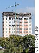 Строительство нового высотного дома в центре Луганска. Стоковое фото, фотограф Ганшмидт Александр Евгеньевич / Фотобанк Лори
