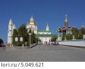 Купить «Почаевская лавра», фото № 5049621, снято 10 августа 2013 г. (c) Инесса Скрипкина / Фотобанк Лори