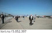 Купить «Международный авиационно-космический салон МАКС-2013», видеоролик № 5052397, снято 14 сентября 2013 г. (c) Игорь Долгов / Фотобанк Лори