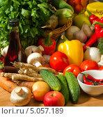 Купить «Свежие овощи для консервирования или заготовки», фото № 5057189, снято 27 сентября 2012 г. (c) Владимир Мельников / Фотобанк Лори