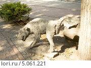 Купить «Москва, памятник писающей собаке, Садово-Черногрязская улица», фото № 5061221, снято 18 августа 2013 г. (c) ИВА Афонская / Фотобанк Лори