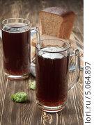 Купить «Хлебный квас - традиционный русский напиток», эксклюзивное фото № 5064897, снято 28 августа 2013 г. (c) Александр Курлович / Фотобанк Лори