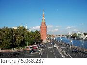 Купить «Водовзводная башня Московского Кремля, Кремлевская набережная, Москва», эксклюзивное фото № 5068237, снято 14 сентября 2011 г. (c) lana1501 / Фотобанк Лори