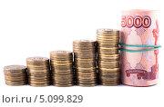 Купить «Монеты, сложенные в столбики. Концепция роста доходов», фото № 5099829, снято 8 сентября 2013 г. (c) Литвяк Игорь / Фотобанк Лори