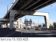 Купить «Москва, третье транспортное кольцо», эксклюзивное фото № 5103425, снято 26 августа 2013 г. (c) Дмитрий Нейман / Фотобанк Лори