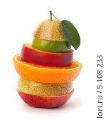 Купить «Кусочки разных фруктов», фото № 5108233, снято 17 июля 2011 г. (c) Natalja Stotika / Фотобанк Лори