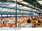 Ресторан в отеле (2013 год). Редакционное фото, фотограф Светлана Пирожук / Фотобанк Лори