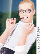 Купить «Привлекательная деловая девушка в строгой блузке», фото № 5111697, снято 6 июня 2009 г. (c) Syda Productions / Фотобанк Лори