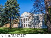 Усадьба Суханово, парадный фасад дворца Волконских (2013 год). Редакционное фото, фотограф Екатерина Радомская / Фотобанк Лори