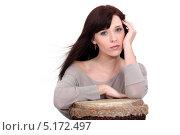 Привлекательная девушка с тамтамом. Стоковое фото, фотограф Phovoir Images / Фотобанк Лори
