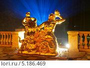 Купить «Петергоф. Скульптура большого каскада. Фонтанная группа Тритоны», эксклюзивное фото № 5186469, снято 11 сентября 2013 г. (c) Литвяк Игорь / Фотобанк Лори
