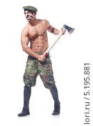 Солдат с топором в руках. Стоковое фото, фотограф Elnur / Фотобанк Лори