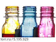 Купить «Бутылки с жёлтыми, синими и красными чернилами. Изолировано на белом», фото № 5195929, снято 15 октября 2013 г. (c) Egorius / Фотобанк Лори