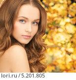 Купить «Красивая молодая женщина с роскошными локонами», фото № 5201805, снято 10 октября 2010 г. (c) Syda Productions / Фотобанк Лори