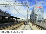 Купить «Железнодорожный вокзал в Адлере, Краснодарский край», фото № 5208045, снято 6 октября 2013 г. (c) Ирина Иванова / Фотобанк Лори