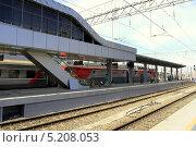 Купить «Новый железнодорожный вокзал в Адлере, Краснодарский край», фото № 5208053, снято 6 октября 2013 г. (c) Ирина Иванова / Фотобанк Лори