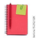 Купить «Стикер, прикрепленный к тетради с ручкой», фото № 5212129, снято 22 мая 2012 г. (c) Natalja Stotika / Фотобанк Лори