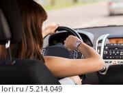 Купить «Молодая женщина за рулем машины», фото № 5214049, снято 5 июля 2013 г. (c) Syda Productions / Фотобанк Лори