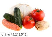 Купить «Свежие овощи на белом фоне», фото № 5218513, снято 13 июля 2013 г. (c) Литвяк Игорь / Фотобанк Лори