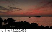Купить «Яхта в море на закате, таймлапс», видеоролик № 5220653, снято 5 октября 2012 г. (c) Артем Поваров / Фотобанк Лори