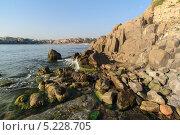 Морские скалы. Стоковое фото, фотограф Коптева Зоя / Фотобанк Лори