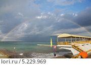 Купить «Радуга над морем, село Дивноморское», эксклюзивное фото № 5229969, снято 23 сентября 2013 г. (c) Dmitry29 / Фотобанк Лори
