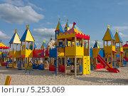 Купить «Детская площадка в Сафари-парке под городом Задонском», фото № 5253069, снято 22 июля 2012 г. (c) Петрова Ольга / Фотобанк Лори