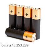 Купить «Пальчиковые батарейки на белом фоне», фото № 5253289, снято 15 августа 2013 г. (c) Куликов Константин / Фотобанк Лори