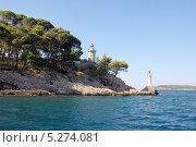 Купить «Хорватия. Маяк на скале», эксклюзивное фото № 5274081, снято 16 сентября 2012 г. (c) Svet / Фотобанк Лори