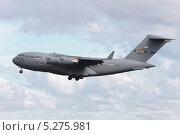 Купить «Транспортный самолёт Boeing C-17 Globemaster III ВВС США», эксклюзивное фото № 5275981, снято 3 сентября 2013 г. (c) Александр Тарасенков / Фотобанк Лори