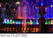 Фонтан на площади (2013 год). Редакционное фото, фотограф Максим Горячук / Фотобанк Лори