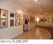 Купить «Экспозиция в музее петербургского авангарда», эксклюзивное фото № 5285397, снято 28 марта 2013 г. (c) Ирина Борсученко / Фотобанк Лори