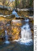 Купить «Дикая природа Кубани. Живописный пейзаж с каскадами водопадов на горной реке Жане , Геленджик, Краснодарский край», эксклюзивное фото № 5295121, снято 22 ноября 2013 г. (c) Игорь Архипов / Фотобанк Лори