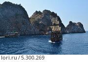 Пиратский корабль (2013 год). Редакционное фото, фотограф Татьяна Апрелева / Фотобанк Лори