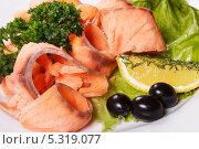 Кусочки вкусной рыбы со специями. Стоковое фото, фотограф Rumo / Фотобанк Лори