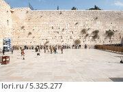 Купить «Город Иерусалим. Стена Плача», фото № 5325277, снято 12 ноября 2013 г. (c) Александр Овчинников / Фотобанк Лори