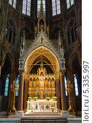 Купить «Алтарь собора Votive в Вене», фото № 5335997, снято 22 июня 2013 г. (c) Анна Лурье / Фотобанк Лори