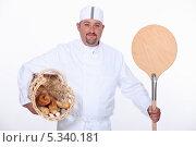 Купить «портрет улыбающегося пекаря», фото № 5340181, снято 4 октября 2010 г. (c) Phovoir Images / Фотобанк Лори