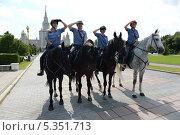 Конный патруль (2013 год). Редакционное фото, фотограф Дмитрий Владимирович Лыков / Фотобанк Лори