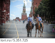 Кавалеристы (2012 год). Редакционное фото, фотограф Дмитрий Владимирович Лыков / Фотобанк Лори
