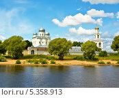 Купить «Великий Новгород, Свято-Юрьев монастырь», фото № 5358913, снято 18 июля 2013 г. (c) ИВА Афонская / Фотобанк Лори