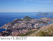 Купить «Дубровник(Dubrovnik). Вид сверху, со смотровой площадки», эксклюзивное фото № 5363517, снято 21 сентября 2012 г. (c) Svet / Фотобанк Лори