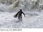 Серфинг (2013 год). Редакционное фото, фотограф Денис Карелин / Фотобанк Лори
