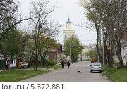 Таганрог, улица, ведущая к Никольской церкви (2009 год). Редакционное фото, фотограф Инна Горохова / Фотобанк Лори