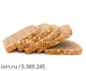 Купить «Ломтики хлеба с отрубями и овсяными хлопьями», фото № 5389245, снято 11 марта 2011 г. (c) Natalja Stotika / Фотобанк Лори