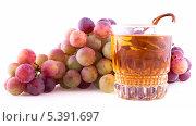 Купить «Виноградный сок», фото № 5391697, снято 7 сентября 2013 г. (c) Литвяк Игорь / Фотобанк Лори