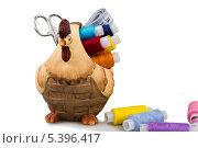 Корзинка для швейных принадлежностей в виде курицы. Стоковое фото, фотограф Александр Носков / Фотобанк Лори