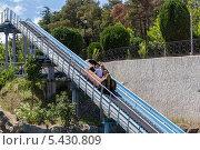 Купить «Аттракцион водные горки», фото № 5430809, снято 3 июля 2013 г. (c) Евгений Ткачёв / Фотобанк Лори